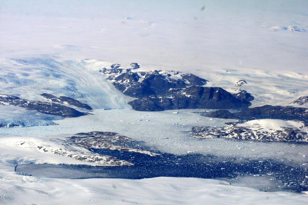 Ice stream and icebergs